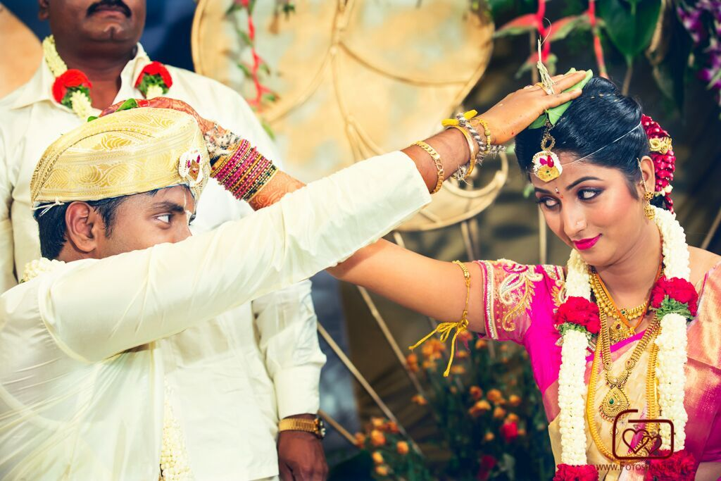 Traditional Gowda wedding photography by FOTOSHAADI