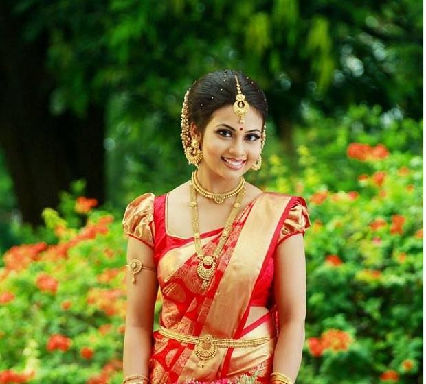 14 Beautiful Wedding Hairstyles Trending This Season - India's Wedding Blog