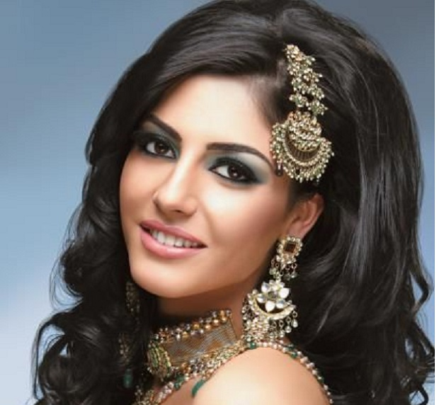 Modern Indian wedding hairstyles with hair accessories