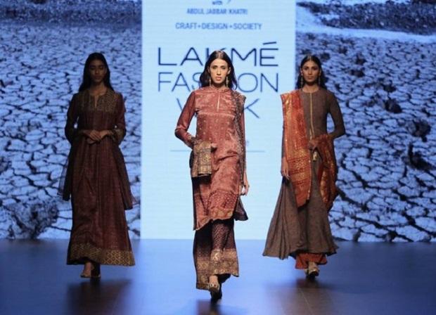 Asif-Sheikh-at-Lakme-Fashion-Week-Summer-Resort-2016-7-600x434