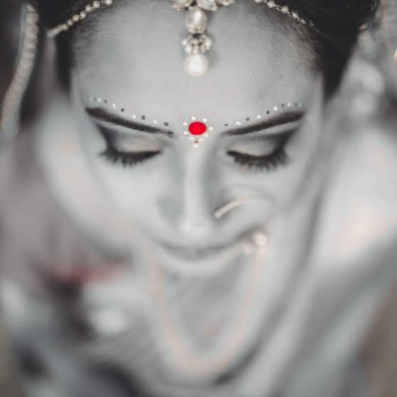 traditional and modern bridal makeup Delhi