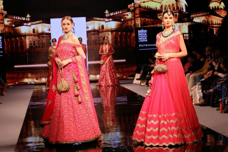 beautiful pink lehengas at Braun India Fashion Week 2016 with tradtional handbags and potlis