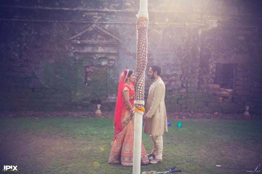 bride and groom play badminton in Grand Hyatt Goa real Sikh wedding