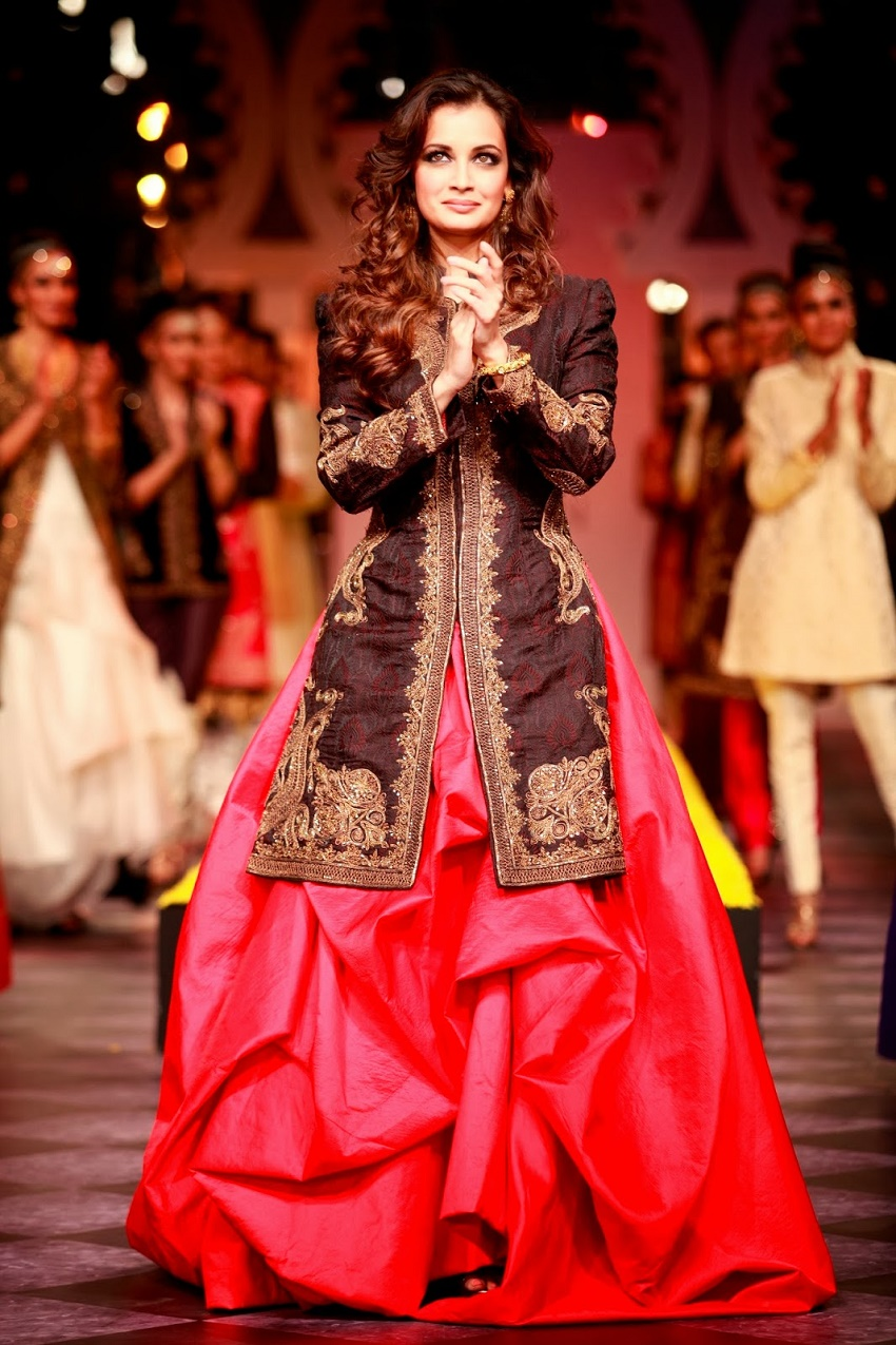 bridal skirt with jacket style kurti Dia Mirza designer Raghvendra Rathore