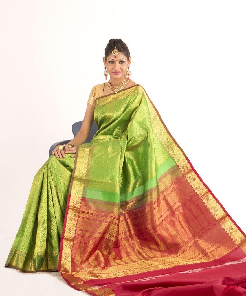 handloom saris for weddings in India