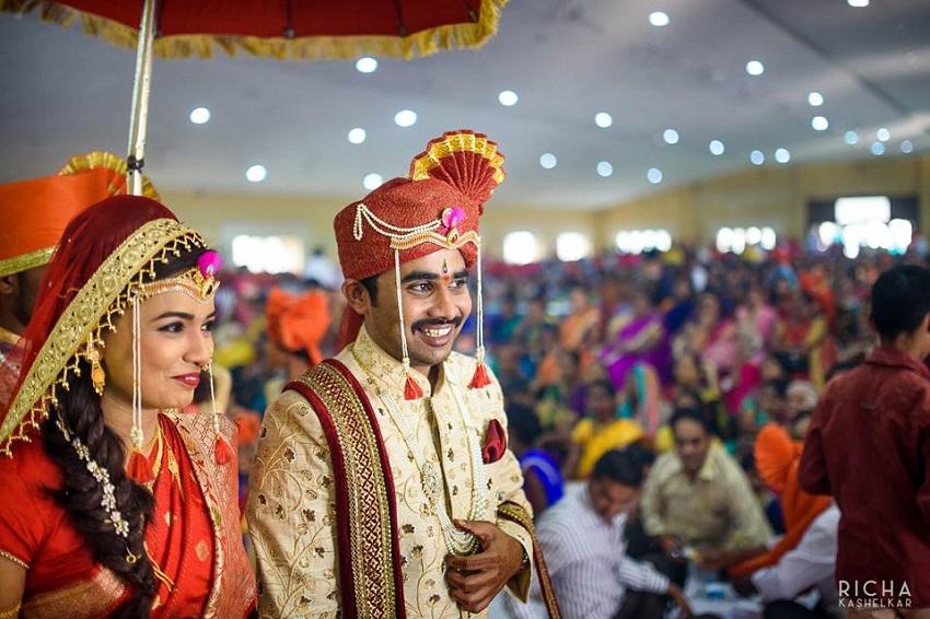 Marathi bride and groom Aniket Kanade wedding photography