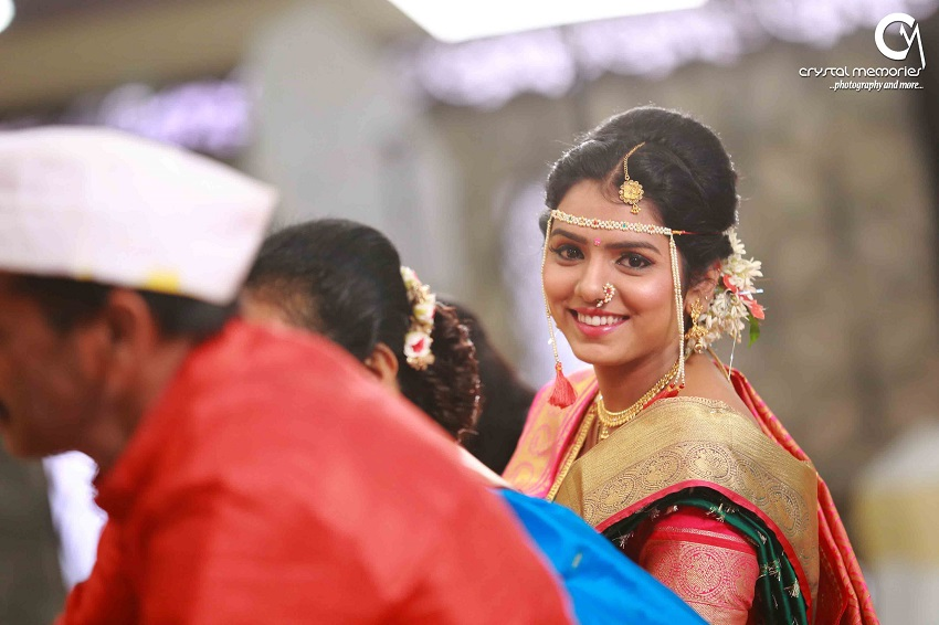 Maharashtrian bridal makeup-classic Marathi real wedding