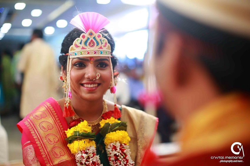 sweet Marathi bride-classic Marathi real wedding