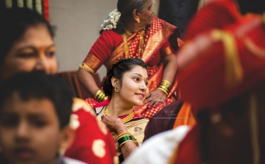 guests at a Simple Puneri wedding by Kaustubh's Photography