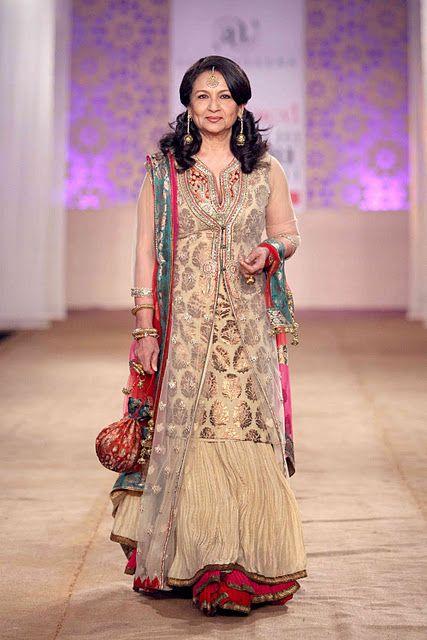 sari ideas for moms