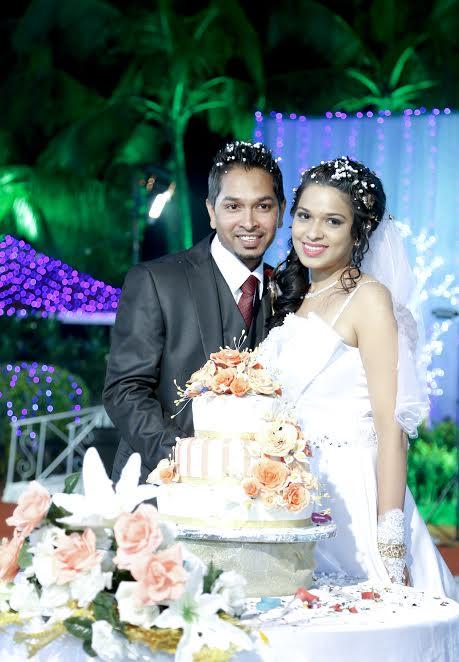beautiful real Christian wedding in Mumbai makeup by Melanie Rawat Blush Salon cake with peach flowers