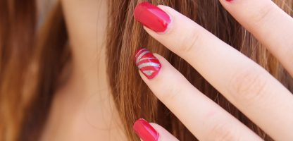 how to get stains off nails