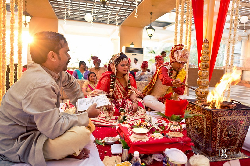wedding rituals Nivedita Ghosh Photography real wedding at Club Millennium Juhu