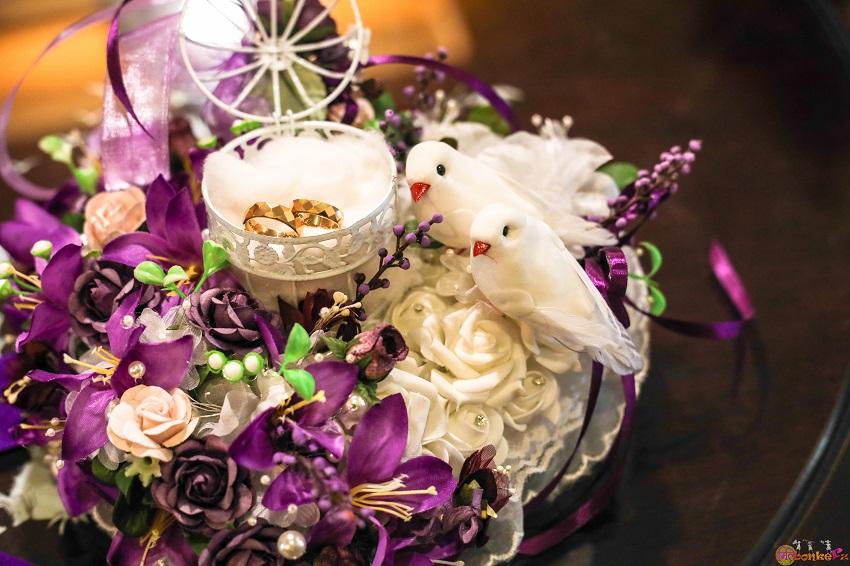 Love birds and purple color wedding theme