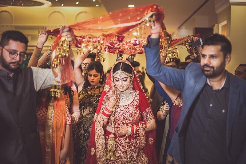 bridal entry foolon ki chaadar