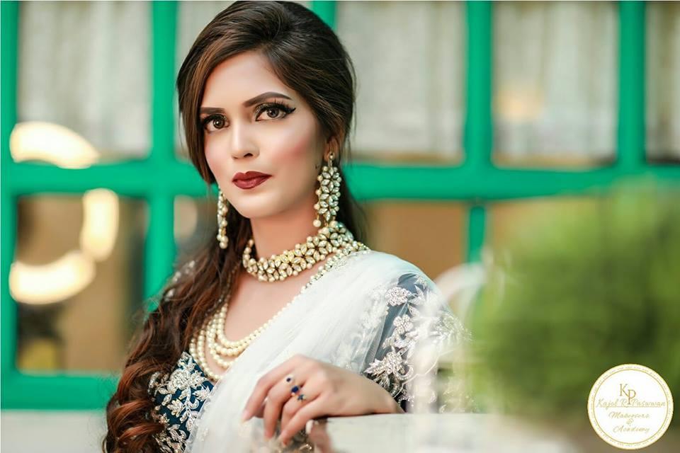 kajol r paswwan makeup artist in Mumbai