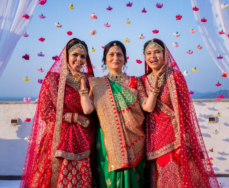 beautiful real wedding of twin sisters