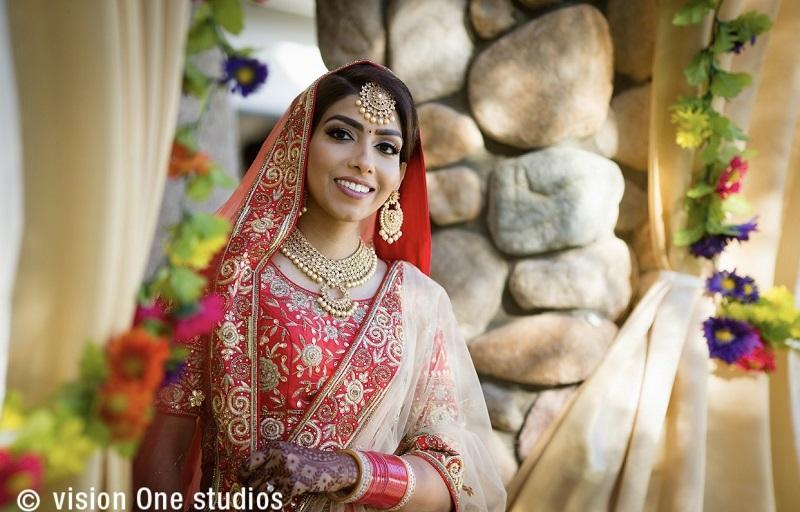 Sikh bride in red lehenga-beautiful Sikh wedding by Vision One Studios