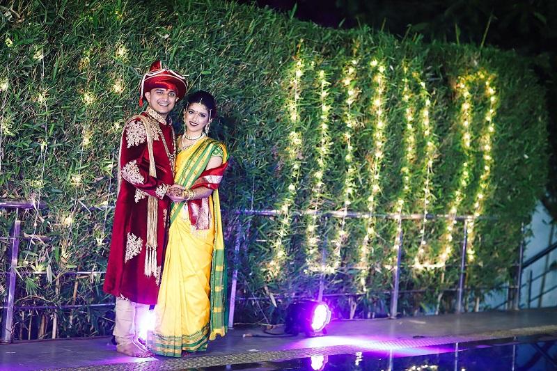 Peshwai themed real wedding with yellow sari for bride