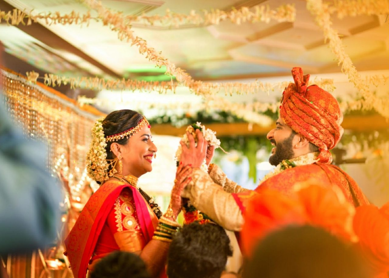 jaimala-beautiful Maharashtrian real wedding Wedding Leaves Photography