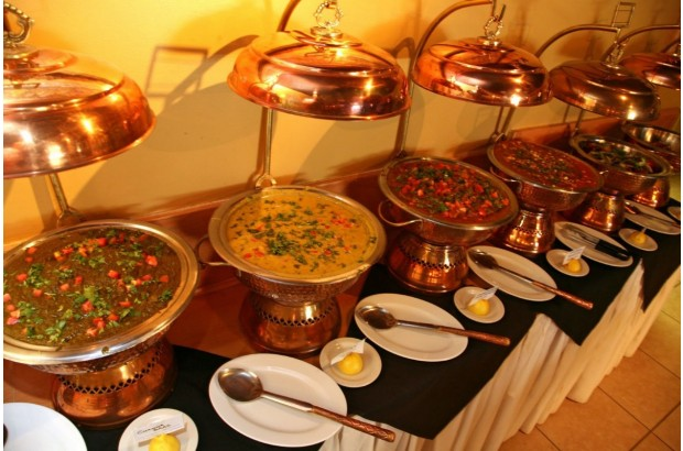 how to choose your reception catering