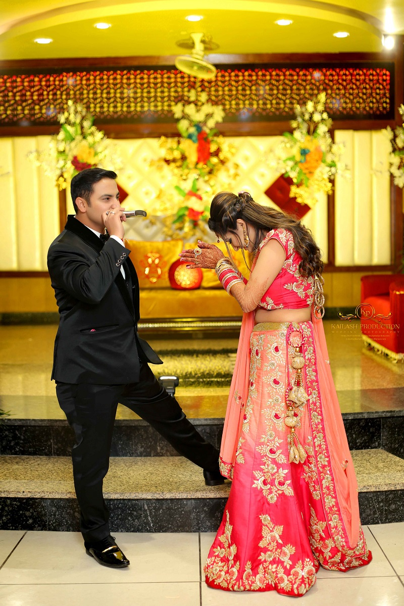 Jammu wedding reception with floral decor