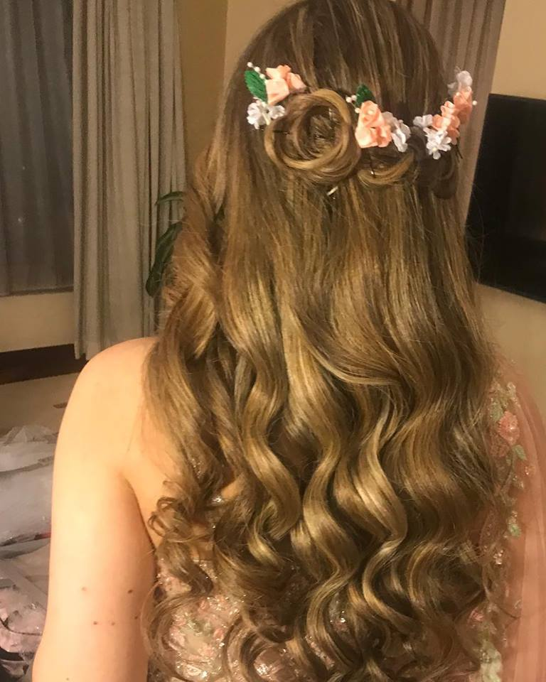 bleached hairstyle for brides by Ojas Rajani